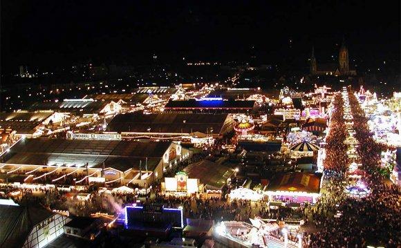 Oktoberfest at night.jpg